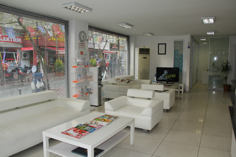 Maltepe Dental Clinic Waiting Area