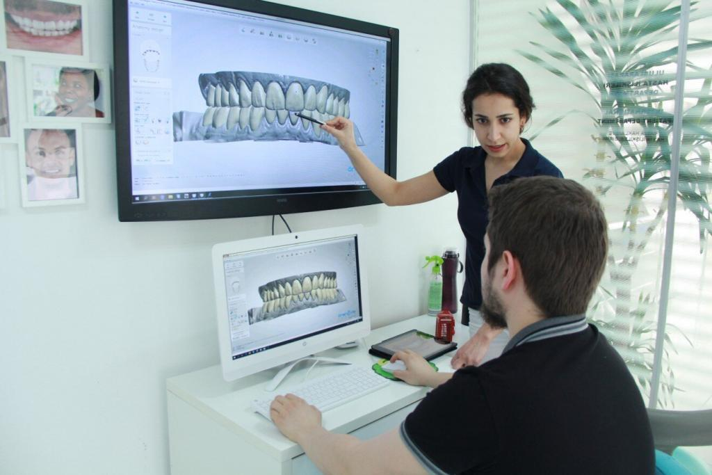 dentist smile design on computer